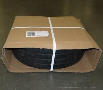 Prawidłowo zapakowana opona dla kuriera DHL - karton