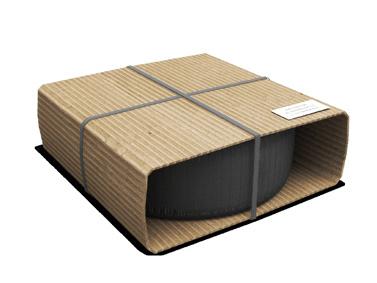 Opony owinięte arkuszem zkartonu odpowiedniej długości, dobrze zabezpieczona taśmą polipropylenową wtaki sposób aby niezakrywała etykiety adresowej umieszczonej napłaskiej powierzchni kartonu.